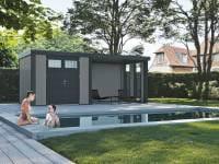 Wolff Finnhaus Metallhaus Eleganto 3024 Lichtgrau inkl. Dachrinne und Fallrohr mit Lounge rechts inkl. 2 Fenster