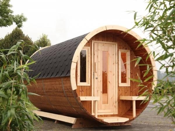 Wolff Finnhaus Campingfass 480, 2-Raum montiert mit schwarzen Dachschindeln