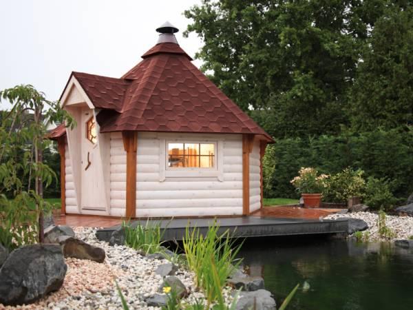 Wolff Finnhaus Grillkota 9 de luxe inkl. rote Dachschindeln und Grillanlage