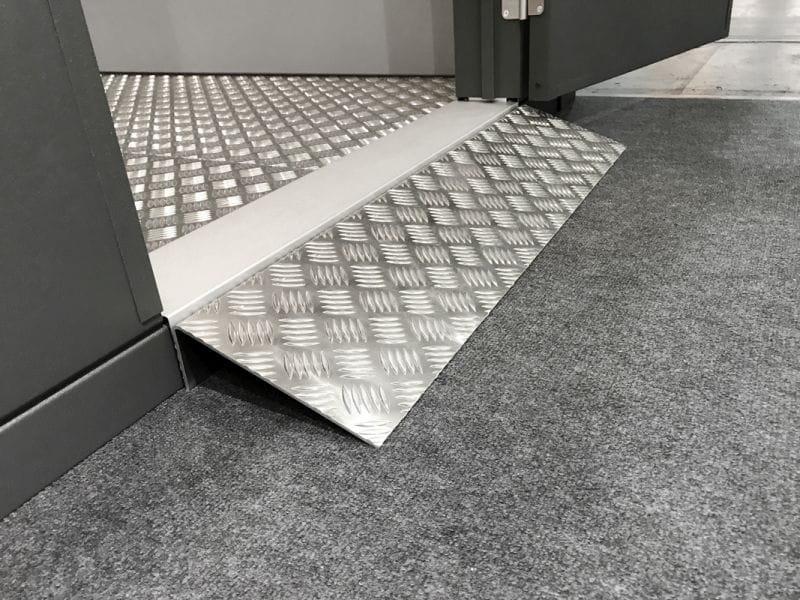 Wolff Finnhaus Eleganto Rampe für Doppeltür
