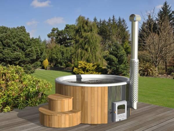 Wolff Finnhaus Badebottich Hot Tub de luxe 200 cm mit weißem KS-Einsatz, integriertem Ofen und Thermoabdeckung.