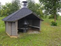 Wolff Finnhaus Wetterschutzhütte mit Grill